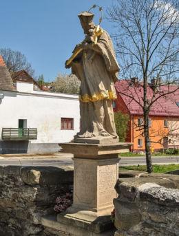 Figura św. Jana Nepomucena na moście gotyckim. Lądek-Zdrój, powiat kłodzki.