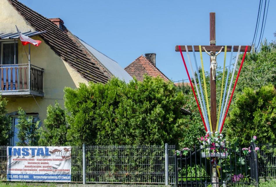 Przydrożny krzyż drewniany. Górowo, gmina Prusice, powiat trzebnicki.