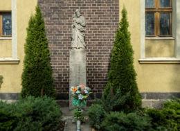 Figura św. Piotra z Dzieciątkiem. Wałbrzych, Wałbrzych.