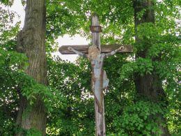 Krzyż drewniany z blaszaną figurą Chrystusa. Wałbrzych, Wałbrzych.