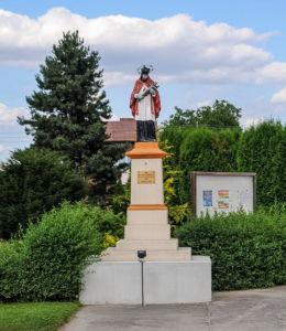 Figura św. Jana Nepomucena. Dzietrzkowice, gmina Łubnice, powiat wieruszowski.