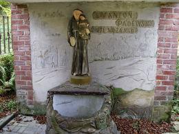 Źródełko pod kapliczką św. Antoniego. Uchanie, powiat hrubieszowski.