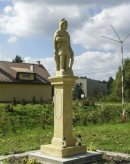 Przydrożna kapliczka z figurą św. Jana Nepomucena. Poręba Żegoty, gmina Alwernia, powiat chrzanowski.