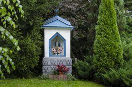 Kapliczka przydrożna murowana. Ptaszkowa, gmina Grybów, powiat nowosądecki.