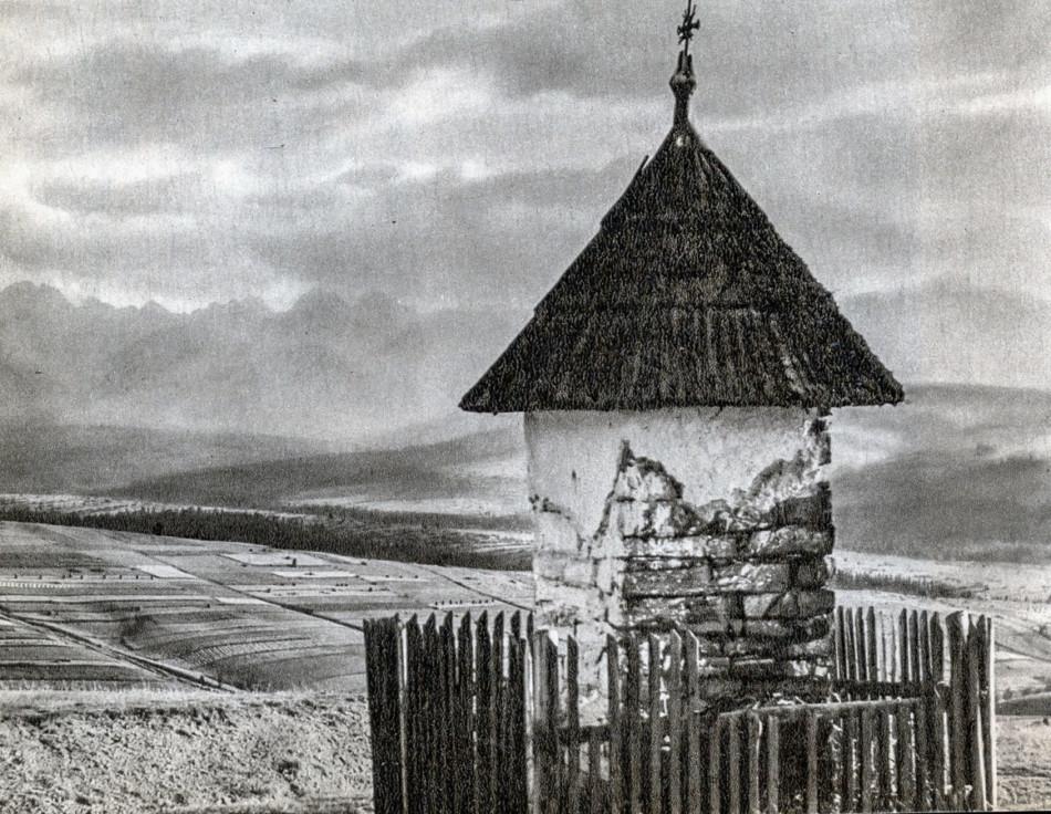 Kapliczka przydrożna murowana. Pawlikowski Wierch, gmina Bukowina Tatrzańska, powiat tatrzański.