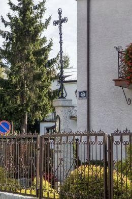 Krzyż przydrożny przy ulicy Wojska Polskiego 46. Ciechanów, powiat ciechanowski.