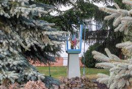 Przydrożna kapliczka przy ulicy Kolejowej 48. Legionowo, powiat legionowski.