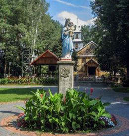Przydrożna kapliczka z 1966 r. Serpelice, gmina Sarnaki, powiat łosicki.