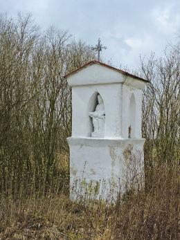 Kapliczka przydrożna. Wola Bródnowska, gmina Wieniawa, powiat przysuski.