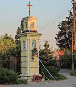 Przydrożna kapliczka u zbiegu ulic Starokrakowskiej i Szydłowieckiej. Radom, Jeżowa Wola, Radom.