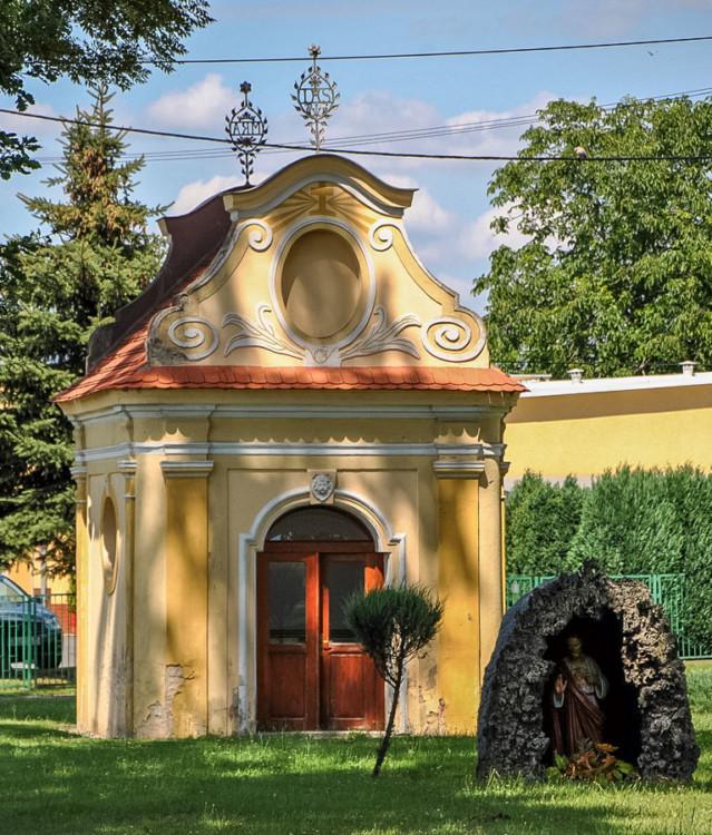 Kapliczka św. Jana Nepomucena. Kuniów, gmina Kluczbork, powiat kluczborski.