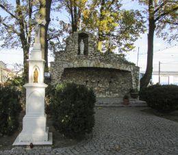 Przydrożny krzyż kamienny. Rozkochów, gmina Walce, powiat krapkowicki.