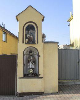 Przydrożna kapliczka. Krapkowic, powiat krapkowicki.