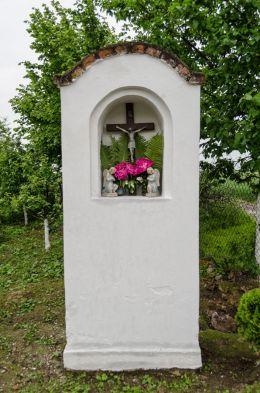 Przydrożna kapliczka murowana. Piotrowice Nyskie, gmina Otmuchów, powiat nyski.