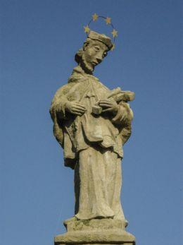 Kapliczka z 1740 r. z figurą św. Jana Nepomucena. Bielsko-Biała, powiat bielski.