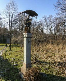 Przydrożna kapliczka z figurą św. Jana Nepomucena. Czechowice-Dziedzice, powiat bielski.