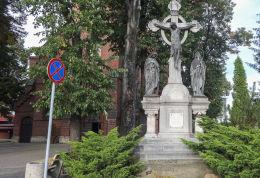Krzyż - Boża Męka obok kościoła Narodzenia N.M.P. Rok powstania ok.1906. Gliwice, Bojków, Gliwice.