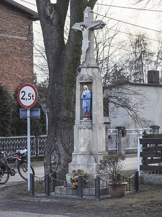 Przydrożny krzyż kamienny. Ornontowice, powiat mikołowski.