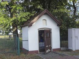 Kapliczka przydrożna, domkowa przy ulicy św.Jana 92. Suszec, powiat pszczyński.