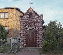 Kapliczka przydrożna, murowana przy ulicy św.Jana 38. Suszec, powiat pszczyński.