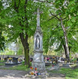 Krzyż cmentarny stojący przy ulicy  ul. Edmunda Kokota. Ruda Śląska, Wirek, Ruda Śląska.