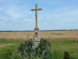 Krzyż przydrożny przy ulicy Pyskowickiej. Kopienica, gmina Zbrosławice, powiat tarnogórski.