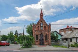 Kapliczka domkowa św. Floriana z 1920 r. przy ulicy Olkuskiej. Ogrodzieniec, powiat zawierciański.