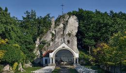 Sanktuarium Matki Bożej Skałkowej. Podzamcze, gmina Ogrodzieniec, powiat zawierciański.