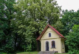 Kapliczka domkowa, murowana. Cięcina, gmina Węgierska Górka, powiat żywiecki.