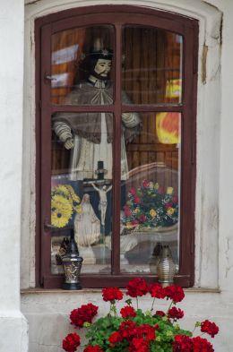 Przydrożna kapliczka z figurą św. Jana Nepomucena. Cisiec, gmina Węgierska Górka, powiat żywiecki.