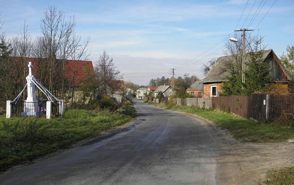 Przydrożna kapliczka. Skrzyszów, gmina Gowarczów, powiat konecki.
