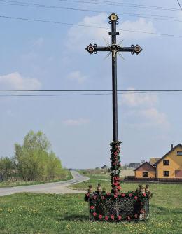 Przydrożny krzyż. Tychów Stary, gmina Mirzec, powiat starachowicki.