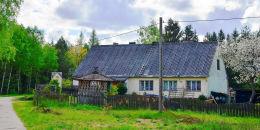 Kapliczka przydrożna. Biesal, gmina Gietrzwałd, powiat olsztyński.