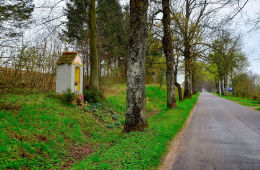 Kapliczka przydrożna. Jeziorany, powiat olsztyński.