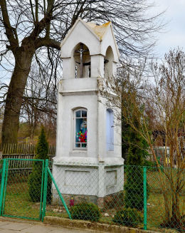 Kapliczka przydrożna, latarnia. Nowa Kaletka, gmina Purda, powiat olsztyński.