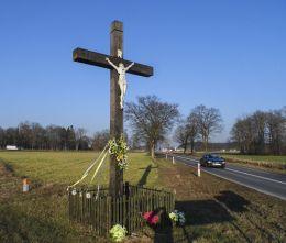 Krzyż na rozstaju dróg. Strzelce, gmina Chodzież, powiat chodzieski.