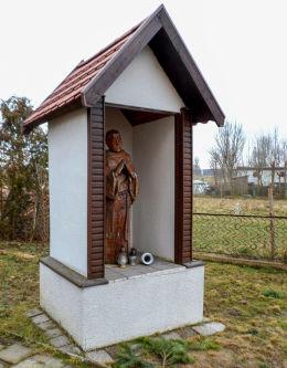 Kapliczka św. Maksymiliana Marii Kolbego. Podanin, gmina Chodzież, powiat chodzieski.