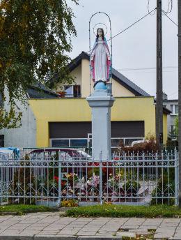 Kapliczka przydrożna przy ulicy Gajowej. Gniezno, powiat gnieźnieński.