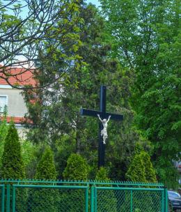 Krzyż przydrożny stojący przy ulicy Michała. Gniezno, powiat gnieźnieński.