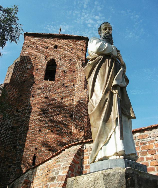 Figura św. Pawła przy kościele św. Jadwigi. Wilkowo Polskie, gmina Wielichowo, powiat grodziski.
