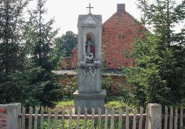 Kapliczka słupowa z figurą św. Józefa. Czacz, gmina Śmigiel, powiat kościański.