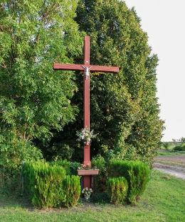Krzyż przydrożny przy drodze do Nielęgowa. Gryżyna, gmina Kościan, powiat kościański.