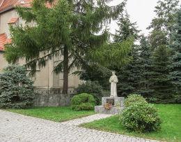 Kapliczka św. Maksymiliana Marii Kolbego. Rozdrażew, powiat krotoszyński.