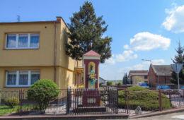 Przydrożna kapliczka św. Antoniego przy ulicy Rydzyńskiej 106. Kąkolewo, gmina Osieczna, powiat leszczyński.