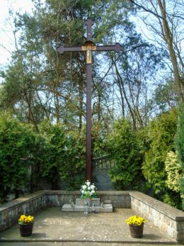 Krzyż wotywny na cmentarzu parafialnym. Chrośnica, gmina Zbąszyń, powiat nowotomyski.