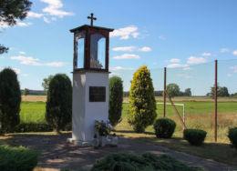 Kapliczka przydrożna z figurą św. Józefa. Perzyny, gmina Zbąszyń, powiat nowotomyski.