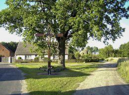 Krzyż na rozstaju dróg. Węglewo, gmina Ujście, powiat pilski.