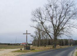 Krzyż na rozstaju dróg. Byszki, gmina Ujście, powiat pilski.