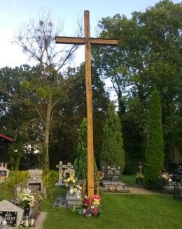 Krzyż drewniany. Dolaszewo, gmina Szydłowo, powiat pilski.