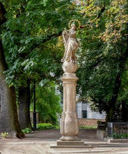 Figura Matki Boskiej na cmentarzu św. Wojciecha. Poznań, Poznań.